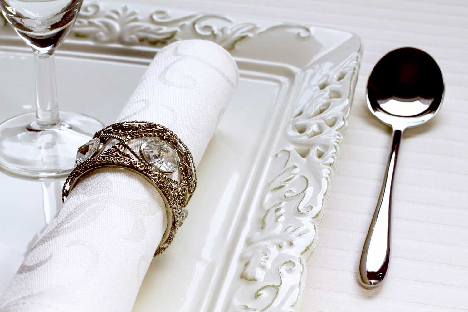 housekeeper/cook cutlery and napkins